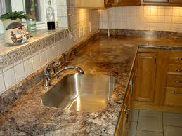 Erstaunlich Solid Surface Countertops Are Vulnerable To Heat And Can Get  Fairly Pricey. Usual Prices